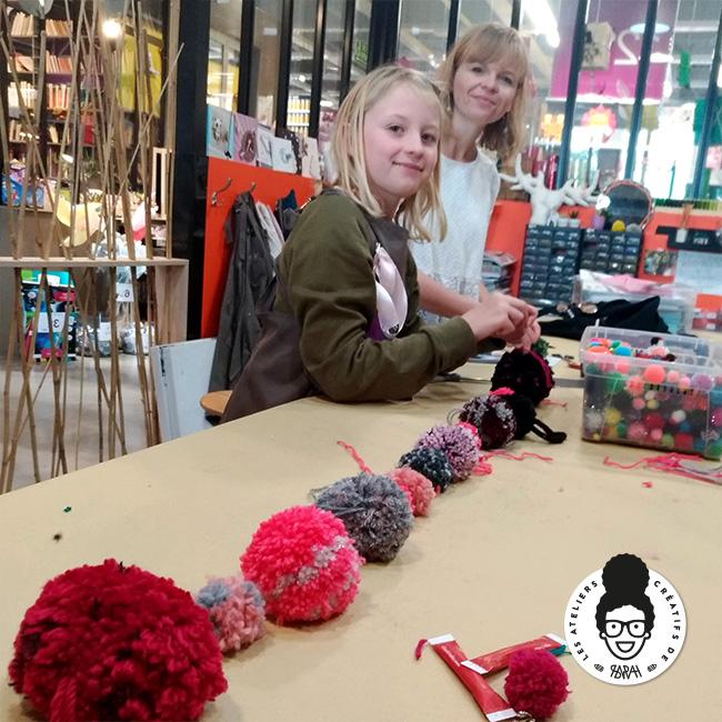 Les Ateliers Créatifs de Sarah Gyver Gaouaoui Zôdio La Rochelle atelier guirlande de pompons diy